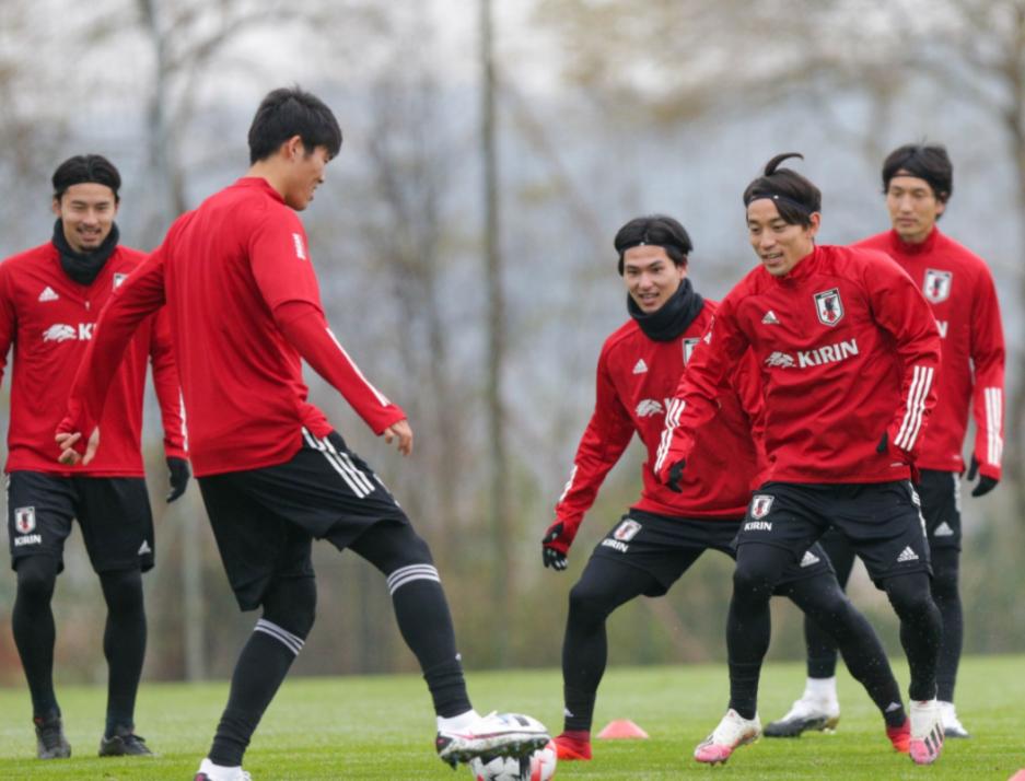 AFC_News_Japan_Minamino_Fussballcamp_Trainingslager